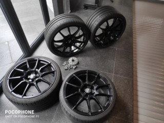 4 all most new stunning ATS 20 Inch Gloss Black Racelight alloy wheels. with Tyres