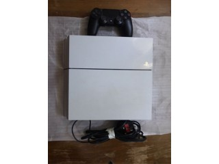 PS4 Console 500gb with Controller + Leads + 7 Games