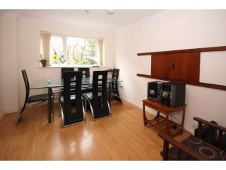 Rooms to rent in Crawley