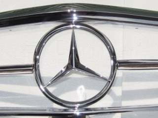 Mercedes W113 grille (1963-1971)