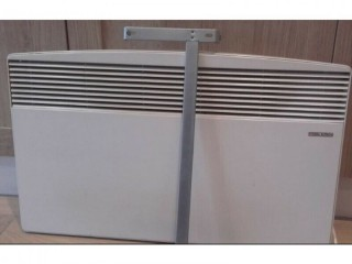 Stiebel eltron wall mountable 2kw convector heater. Thermostat control