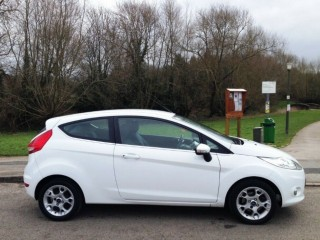 Ford Fiesta 1.2 Zetec, (2011-61-Reg) Only 59,000 miles, FSH, Bluetooth, Alloys, Frozen White