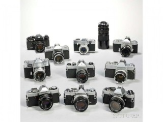 35mm Film Cameras WANTED. Single items or lots. Collection at your convenience, prime condition.