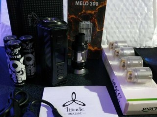 Lost Vape Triade DNA 250C black/carbon + batteries + Eleaf Melo 300 tank vape vaping. Wandsworth, London