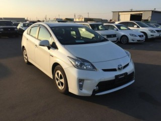 2013/63 TOYOTA PRIUS HYBRID PEARL WHITE COLOR 1800CC,RESERVED BY CUSTOMER