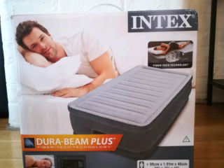 Air bed Intex Single. NEVER USED. Tower Bridge, London