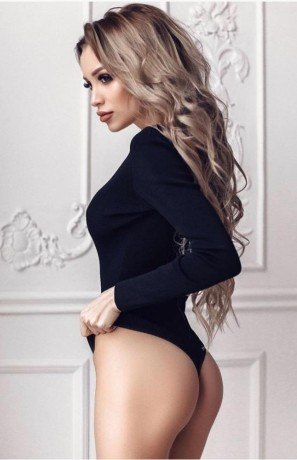 hot-horny-essex-girl-available-for-outcalls-big-5