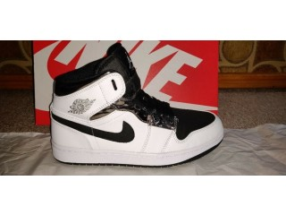 Nike Air Jordan 1 Mid Alternate Think 16 - UK 8.5 - NEW - BOXED