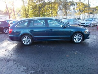 SKODA SUPERB 2013 63 1.6 TDI SE GREEN LINE 5 DOOR ESTATE ( Bucksburn, Aberdeen )