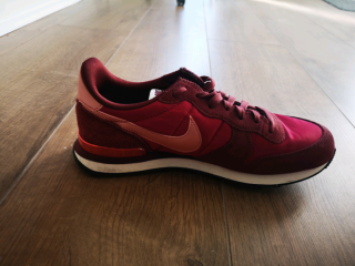 New orginal nike shoes size 4,5