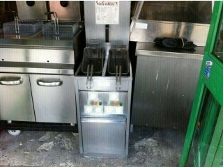 CATERING KITCHEN TAKE AWAY, COMMERCIAL VALENTINE TWIN TANK FRYER CUISINE FAST FOOD CHICKEN GRILL SHOP