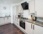 three-bedroom-apartment-in-shoreditch-short-term-let-available-small-3
