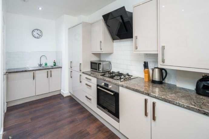 three-bedroom-apartment-in-shoreditch-short-term-let-available-big-3