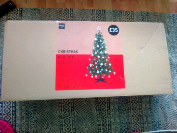 christmas-in-a-box-christmas-tree-big-1