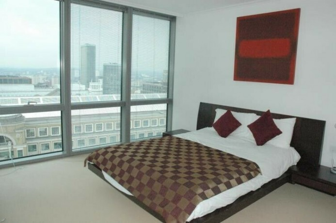 3-bedroom-flat-in-no-1-west-india-quay-hertsmere-road-canary-wharf-e14-big-1