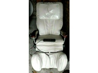 AS NEW OSIM FULL BODY RECLINER REMOTE CONTROL MASSAGE CHAIR AS NEW COST £3300 FOR A NURSE FUND