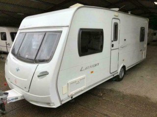 2007 Lunar Lexon eb Fixed bed - motor mover included