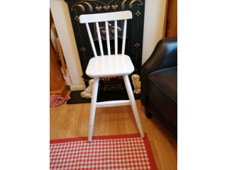 Sturdy child's chair