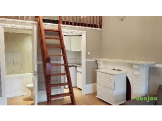 Huge Mezzanine Studio, Self-Contained, in Notting Hill