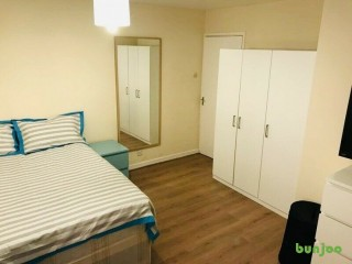 Rent This nice double room located in Hackney (Zone 2), Postcode: E5 0EJ