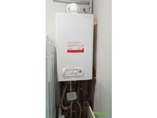 Working condition. Sabre (Vokera) Condensing Combi boiler with wireless control