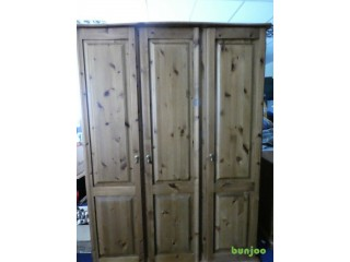 GOOD CONDITION TRIPLE WARDROBE, QUALITY PINE FURNITURE