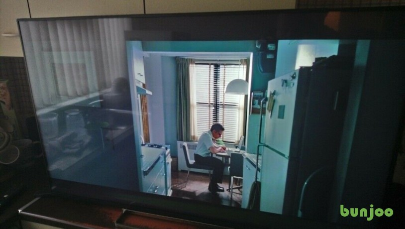 excellent-condition-toshiba-49-4k-uhd-hdr-smart-tv-big-0