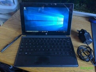 2 in 1 laptop, Microsoft Surface pro Tablet  Full HD touchscreen 128gb SSD with keyboard